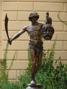 Foto: Statue von David mit Goliaths Kopf